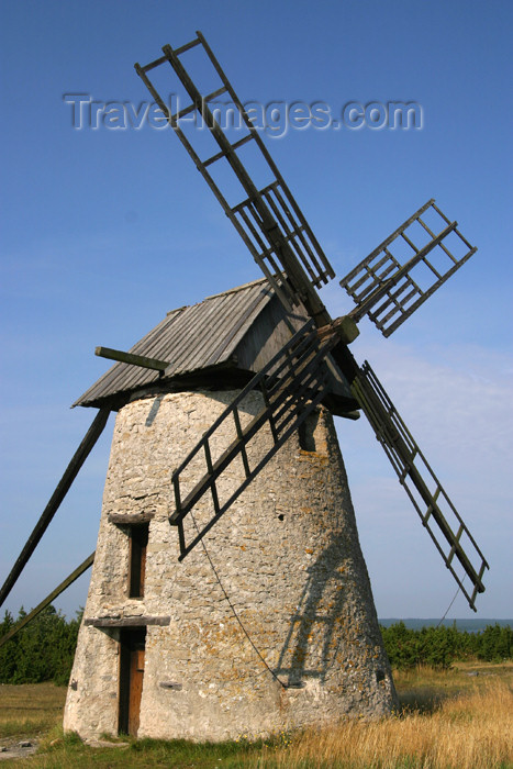 gotland50: Sweden - Gotland island / Gotlands län - Fårö island - Broa: windmill - photo by C.Schmidt - (c) Travel-Images.com - Stock Photography agency - Image Bank