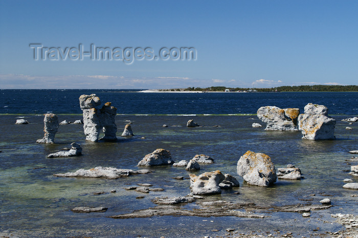 gotland53: Fårö island, Gotland, Sweden - Lauterhorn - Gamle Hamn: 'Raukar' rock formations and the Baltic - photo by A.Ferrari - (c) Travel-Images.com - Stock Photography agency - Image Bank