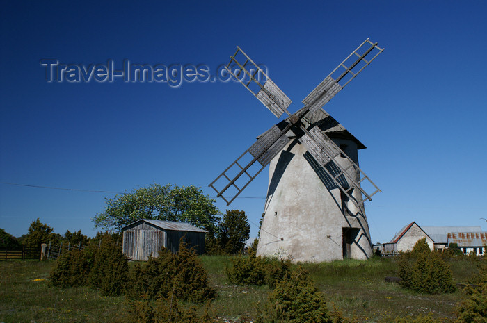 gotland58: Fårö island, Gotland, Sweden: windmill and village - photo by A.Ferrari - (c) Travel-Images.com - Stock Photography agency - Image Bank