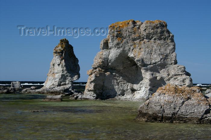 gotland59: Fårö island, Gotland, Sweden - Digerhuvud: 'Raukar' - limestone rock formations - photo by A.Ferrari - (c) Travel-Images.com - Stock Photography agency - Image Bank