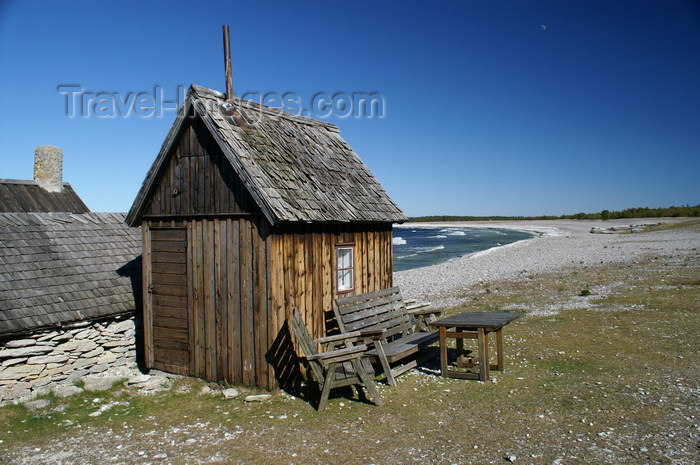 gotland65: Fårö island, Gotland, Sweden beach, hut and picnic table - old fishing village near Digerhuvud  - photo by A.Ferrari - (c) Travel-Images.com - Stock Photography agency - Image Bank