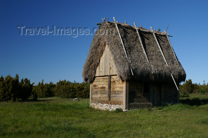 gotland68: Fårö island, Gotland, Sweden - Broa: old house with  thatched roof - photo by A.Ferrari - (c) Travel-Images.com - Stock Photography agency - Image Bank