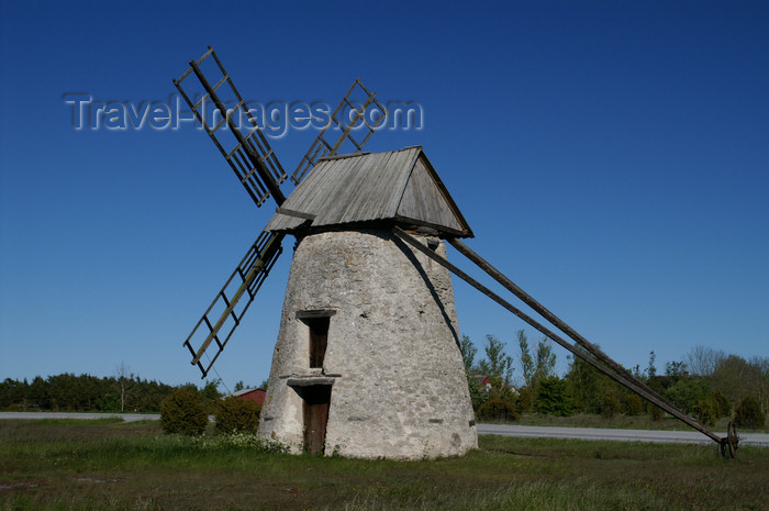 gotland69: Fårö island, Gotland, Sweden - Broa: old stone windmill - photo by A.Ferrari - (c) Travel-Images.com - Stock Photography agency - Image Bank