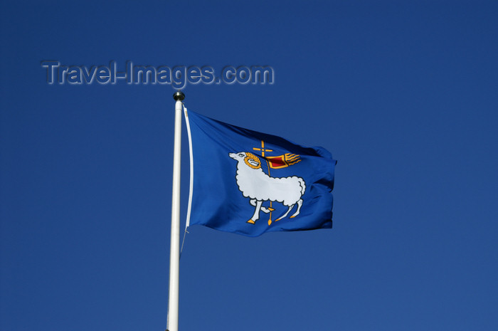 gotland72: Fårö island, Gotland, Sweden: Gotland flag in the wind - photo by A.Ferrari - (c) Travel-Images.com - Stock Photography agency - Image Bank