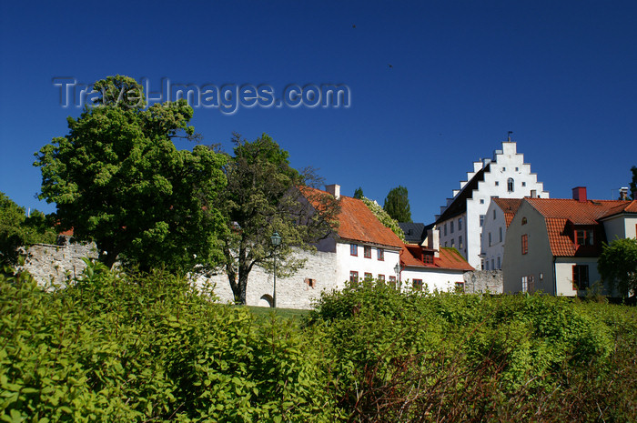 gotland78: Gotland - Visby: buildings outside Almedalen - photo by A.Ferrari - (c) Travel-Images.com - Stock Photography agency - Image Bank