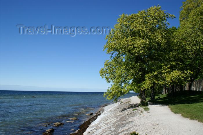 gotland81: Gotland - Visby: Baltic coast near Almedalen park - photo by A.Ferrari - (c) Travel-Images.com - Stock Photography agency - Image Bank