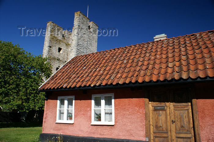 gotland86: Gotland - Visby: along Murgatan, house and tower - photo by A.Ferrari - (c) Travel-Images.com - Stock Photography agency - Image Bank
