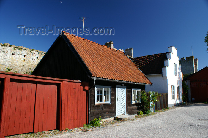 gotland89: Gotland - Visby: garage and houses along Murgatan - photo by A.Ferrari - (c) Travel-Images.com - Stock Photography agency - Image Bank