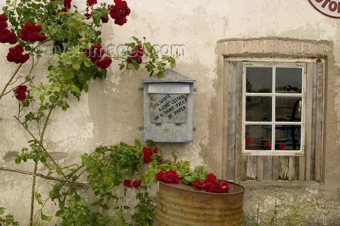 gotland9: Sweden - Gotland island / Gotlands län - window and mailbox - 'she wrote a long letter on short piece of paper' - photo by C.Schmidt - (c) Travel-Images.com - Stock Photography agency - Image Bank