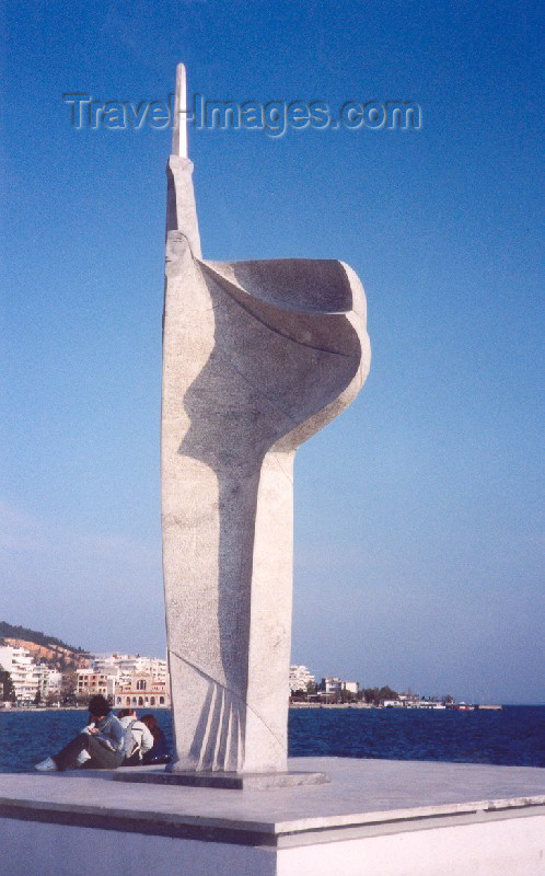 greece105: Greece - Volos (Thessalia): seaside sculpture (photo by Miguel Torres) - (c) Travel-Images.com - Stock Photography agency - Image Bank