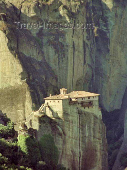 greece163: Greece - Meteora (Thessalia): Monastery of Roussanou - Kastraki area -  photo by M.Bergsma - (c) Travel-Images.com - Stock Photography agency - Image Bank