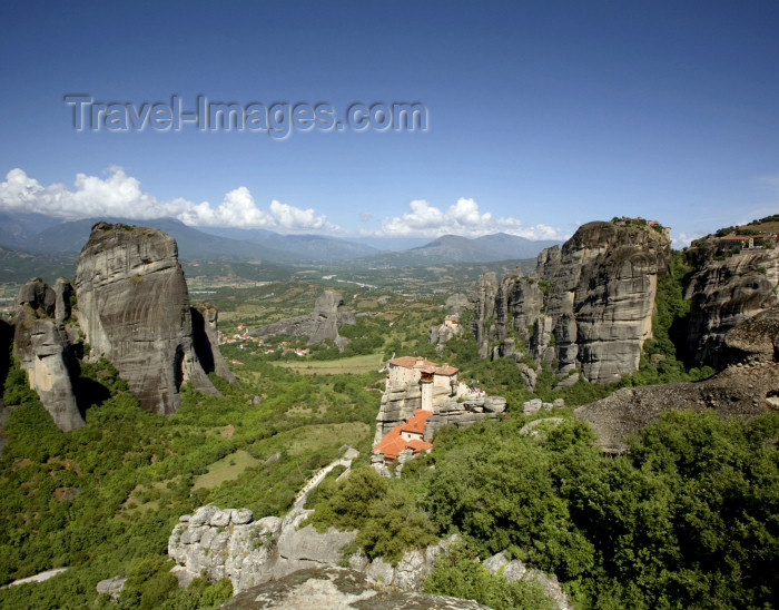 greece215: Greece - Meteora: Holy Monastery of Varlaam - UNESCO World Heritage Site - photo by A.Dnieprowsky - (c) Travel-Images.com - Stock Photography agency - Image Bank