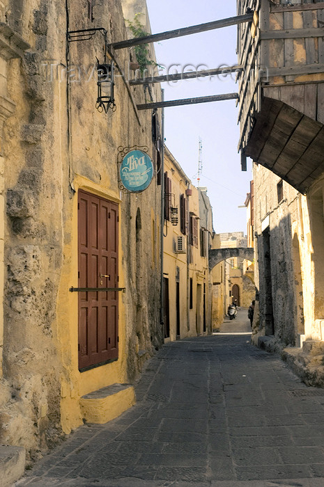 greece348: Greece, Dodecanese Islands, Rhodes: the backstreets of the Old Town  (photo by P.Hellander) - (c) Travel-Images.com - Stock Photography agency - Image Bank