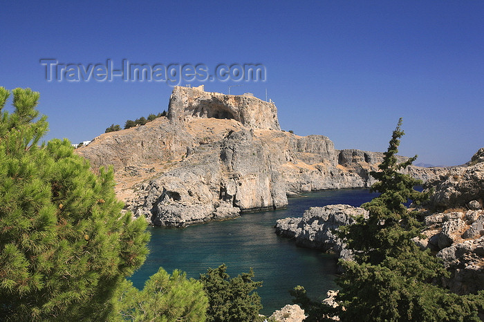 greece456: Greece - Rhodes island - Lindos - St.Paul's bay and the fortress - photo by A.Stepanenko - (c) Travel-Images.com - Stock Photography agency - Image Bank