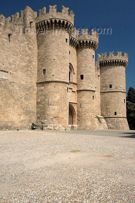greece473: Greece - Rhodes island - Rhodes city - Grand Masters Palace - main gate - photo by A.Stepanenko - (c) Travel-Images.com - Stock Photography agency - Image Bank
