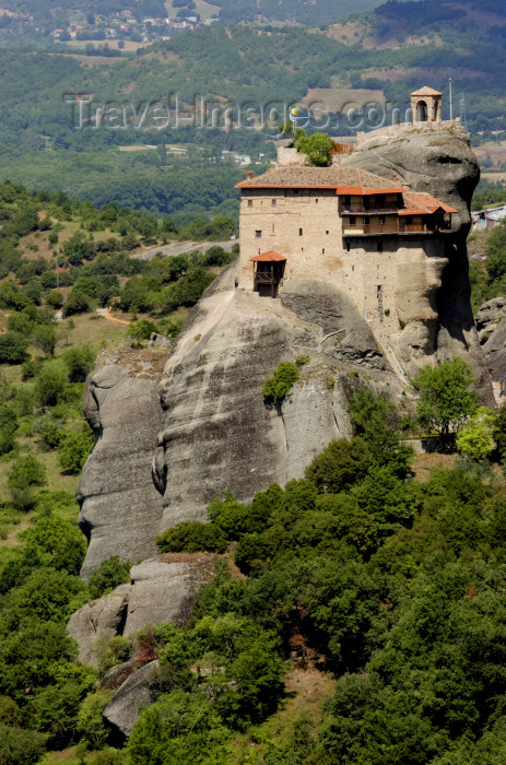 greece478: Greece - Meteora: Agios Nikolaos Anapafsas - photo by A.Dnieprowsky - (c) Travel-Images.com - Stock Photography agency - Image Bank