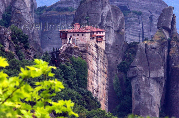 greece53: Greece - Meteora: Holy Monastery of Rousanou - UNESCO World Heritage Site - leaves - photo by A.Dnieprowsky - (c) Travel-Images.com - Stock Photography agency - Image Bank