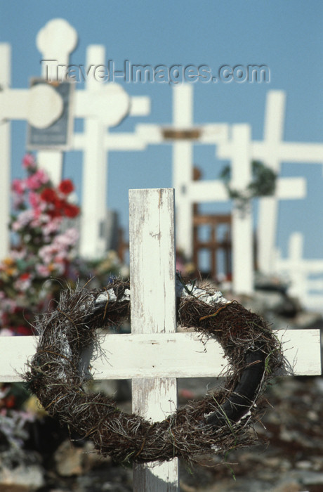 greenland28: Greenland - Ilulissat / Jakobshavn - cemetery - crosses - photo by W.Allgower - (c) Travel-Images.com - Stock Photography agency - Image Bank