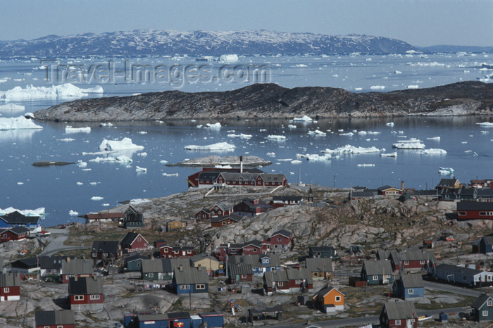 greenland49: Greenland - Ilulissat / Jakobshavn - town panorama - photo by W.Allgower - (c) Travel-Images.com - Stock Photography agency - Image Bank