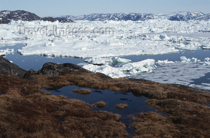 greenland57: Greenland - Illuisaat - abandoned Inuit settlement of Sermermiut - Ilulissat Icefjord in the background - photo by W.Allgower - (c) Travel-Images.com - Stock Photography agency - Image Bank