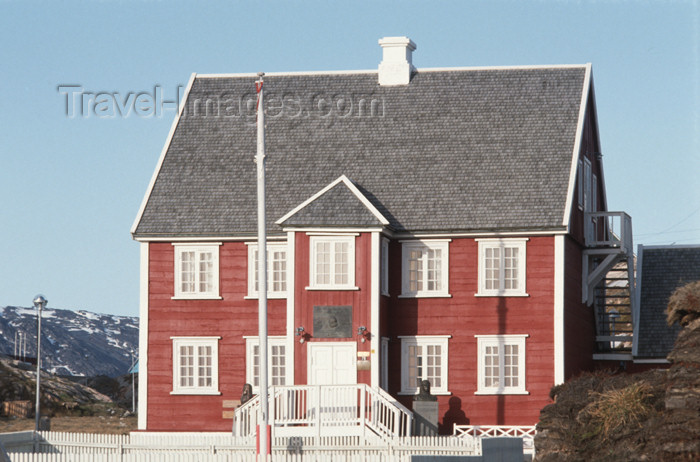 greenland61: Greenland - Ilulissat / Jakobshavn - polar explorer Knud Rasmussen museum - photo by W.Allgower - (c) Travel-Images.com - Stock Photography agency - Image Bank