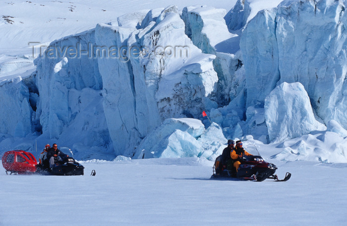 greenland93: Greenland, Apussuit: snowscooters on the glacier - photo by S.Egeberg - (c) Travel-Images.com - Stock Photography agency - Image Bank