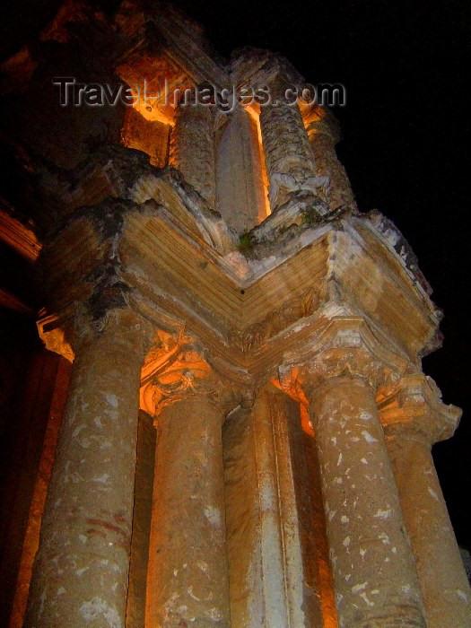 guatemala22: Guatemala - Antigua Guatemala: ruins of the Carmelite church / Ruinas de la Iglesia del Carmen en Antigua Guatemala (photographer: Hector Roldán) - (c) Travel-Images.com - Stock Photography agency - Image Bank
