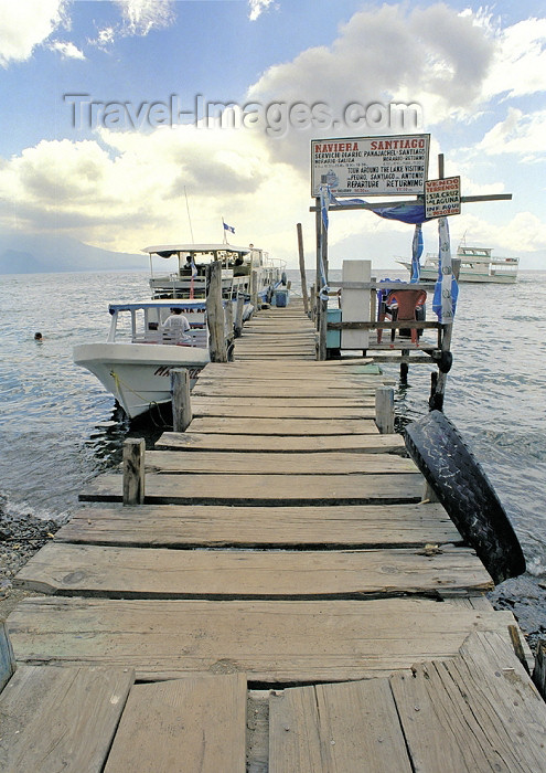 guatemala31: Guatemala - Panajachel - Lago de Atitlán - Sololá department: pier for Naviera Santiago boat company - Lake Atitlán (photo by A.Walkinshaw) - (c) Travel-Images.com - Stock Photography agency - Image Bank