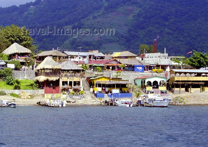 guatemala34: Guatemala - Panajachel - Lago de Atitlán - Sololá department: waterfront - Lake Atitlán (photo by A.Walkinshaw) - (c) Travel-Images.com - Stock Photography agency - Image Bank