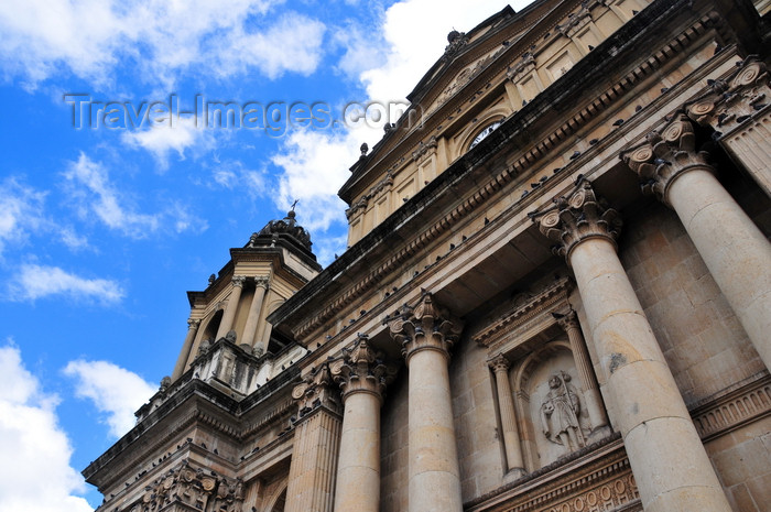 guatemala66: Ciudad de Guatemala / Guatemala city: columns and entablature - façade of the Metropolitan Cathedral - Catedral Metropolitana - photo by M.Torres - (c) Travel-Images.com - Stock Photography agency - Image Bank