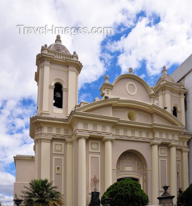 guatemala69: Ciudad de Guatemala / Guatemala city: neo-classical façade of El Carmen church - Iglesia El Carmen - 8a avenida Sur - photo by M.Torres - (c) Travel-Images.com - Stock Photography agency - Image Bank