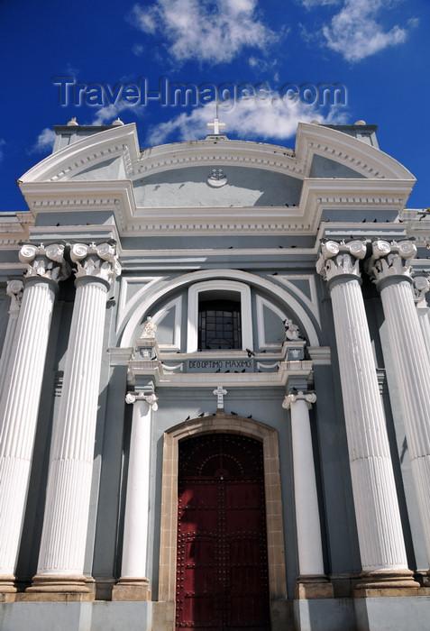 guatemala82: Ciudad de Guatemala / Guatemala city: main gate of San Francisco Church - Latin phrase 'Deo optimo maximo', 'the greatest and best God' - Iglesia de San Francisco - photo by M.Torres - (c) Travel-Images.com - Stock Photography agency - Image Bank