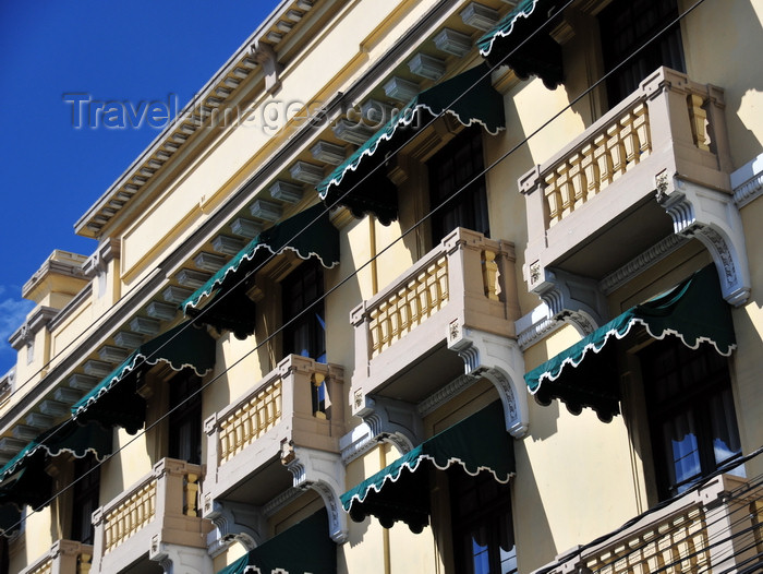 guatemala91: Ciudad de Guatemala / Guatemala city: hotel Royal Palace - balconies with awnings on 6 Av. and 13 Calle, zona 1 - photo by M.Torres - (c) Travel-Images.com - Stock Photography agency - Image Bank