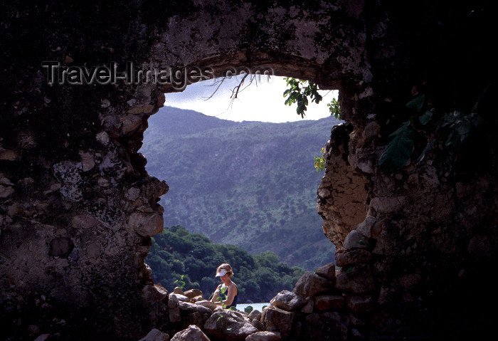 haiti28: Haiti - Labadee / Labadie: ruins (photo by Francisca Rigaud) - (c) Travel-Images.com - Stock Photography agency - Image Bank