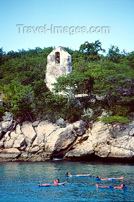 haiti38: Haiti - Labadee - church ruins, coast and bathers - photo by F.Rigaud - (c) Travel-Images.com - Stock Photography agency - Image Bank