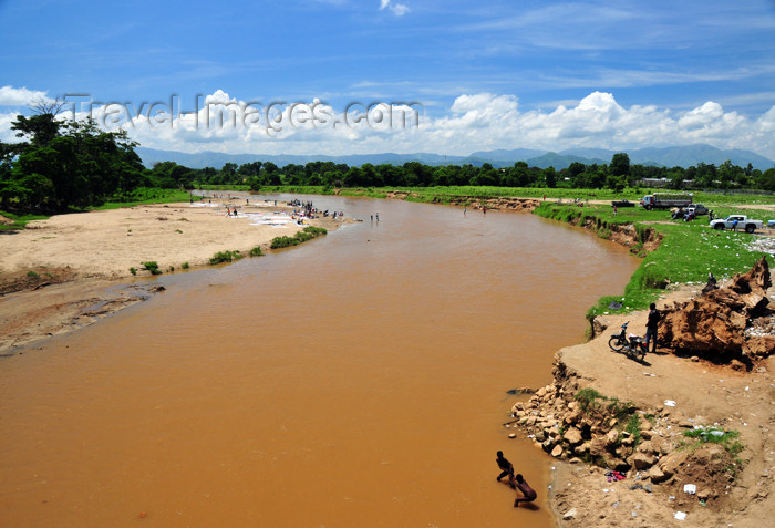 haiti56: Ouanaminthe / Juana Mendez, Nord-Est Department, Haiti: the Massacre river separates Haiti and the Dominican Republic - border - photo by M.Torres - (c) Travel-Images.com - Stock Photography agency - Image Bank