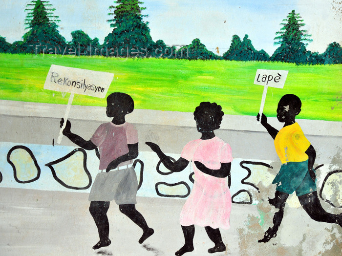 haiti67: Fort-Liberté, Nord-Est Department, Haiti: mural painting - children demonstrate for peace and reconciliation - stage at the Place d'Armes - photo by M.Torres - (c) Travel-Images.com - Stock Photography agency - Image Bank