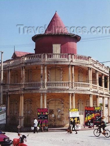 haiti7: Haiti - Jacmel, Sud-Est Department: colonial corner - photo by G.Frysinger - (c) Travel-Images.com - Stock Photography agency - Image Bank