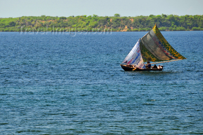 haiti80: Fort-Liberté, Nord-Est Department, Haiti: fishing boat with recycled sails - photo by M.Torres - (c) Travel-Images.com - Stock Photography agency - Image Bank
