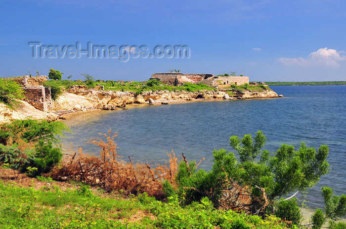 haiti82: Fort-Liberté, Nord-Est Department, Haiti: Fort Dauphin - cove on the eastern side of the isthmus - photo by M.Torres - (c) Travel-Images.com - Stock Photography agency - Image Bank