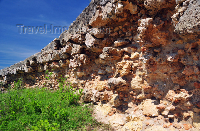 haiti95: Fort-Liberté, Nord-Est Department, Haiti: Fort Dauphin - erosion slowly destroys the sea wall - photo by M.Torres - (c) Travel-Images.com - Stock Photography agency - Image Bank
