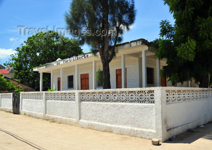haiti99: Fort-Liberté, Nord-Est Department, Haiti: city hall - Grande Rue - Mairie - photo by M.Torres - (c) Travel-Images.com - Stock Photography agency - Image Bank