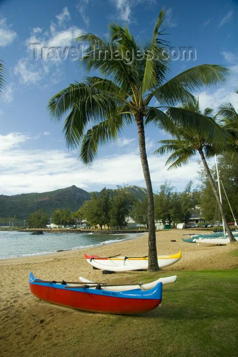 hawaii12: Hawaii - Kauai Island: Nawiliwili beach: outrigger canoes - Hawaiian Islands - photo by D.Smith - (c) Travel-Images.com - Stock Photography agency - Image Bank