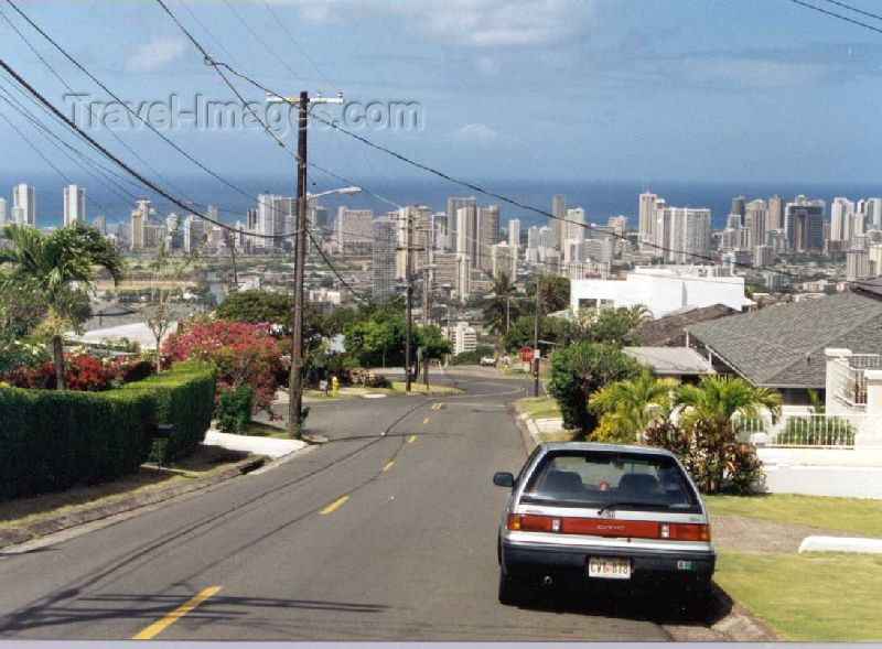 hawaii23: Oahu island - Honolulu / HNL: descending - photo by P.Willis - (c) Travel-Images.com - Stock Photography agency - Image Bank