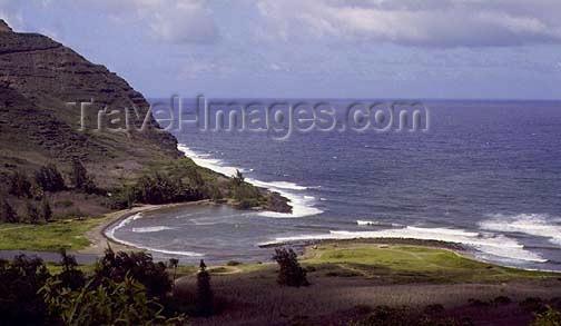 hawaii41: Hawaii - Molokai'i: small bay on the North coast - photo by G.Frysinger - (c) Travel-Images.com - Stock Photography agency - Image Bank