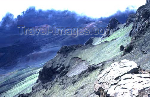 hawaii50: Hawaii - Maui island - Haleakala National Park: the crater - photo by G.Frysinger - (c) Travel-Images.com - Stock Photography agency - Image Bank