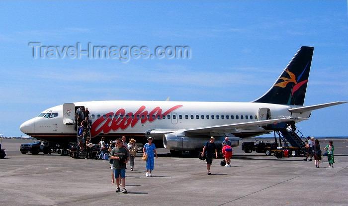 hawaii54: Oahu island - Honolulu International Airport: Aloha Airlines Boeing 737-200 (photo by Rod Eime) - (c) Travel-Images.com - Stock Photography agency - Image Bank