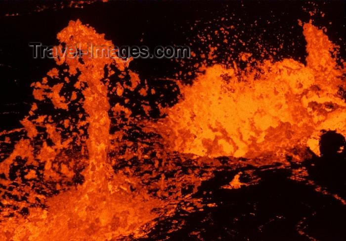 hawaii57: Hawaii island - Kilauea volcano: eruption in the caldera - Hawai'i Volcanoes National Park - UNESCO World Heritage Site - Volcà, Llosgfynydd, Vulkan, Vulkaan,Volcán, Vulkano, Volcan, Gunung Berapi, Eldstöð, Vulcano, Wulkan, Vulcão, Ognjeni, Tulivuori, Yanarda - photo by R.Eime - (c) Travel-Images.com - Stock Photography agency - Image Bank