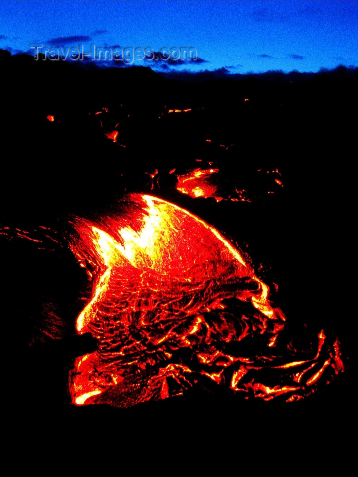 hawaii61: Hawaii island - Kilauea volcano: Pahoehoe lava on East Rift Zone of the Kilauea - Hawaii Volcanoes National Park -  flow of incandescent lava - Unesco world heritage site - photo by R.Eime - (c) Travel-Images.com - Stock Photography agency - Image Bank