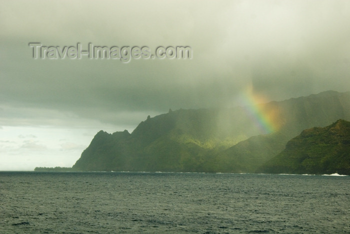 hawaii9: Hawaii - Kauai Island: Na Pali coasts with rainbow - Hawaiian Islands - photo by D.Smith - (c) Travel-Images.com - Stock Photography agency - Image Bank